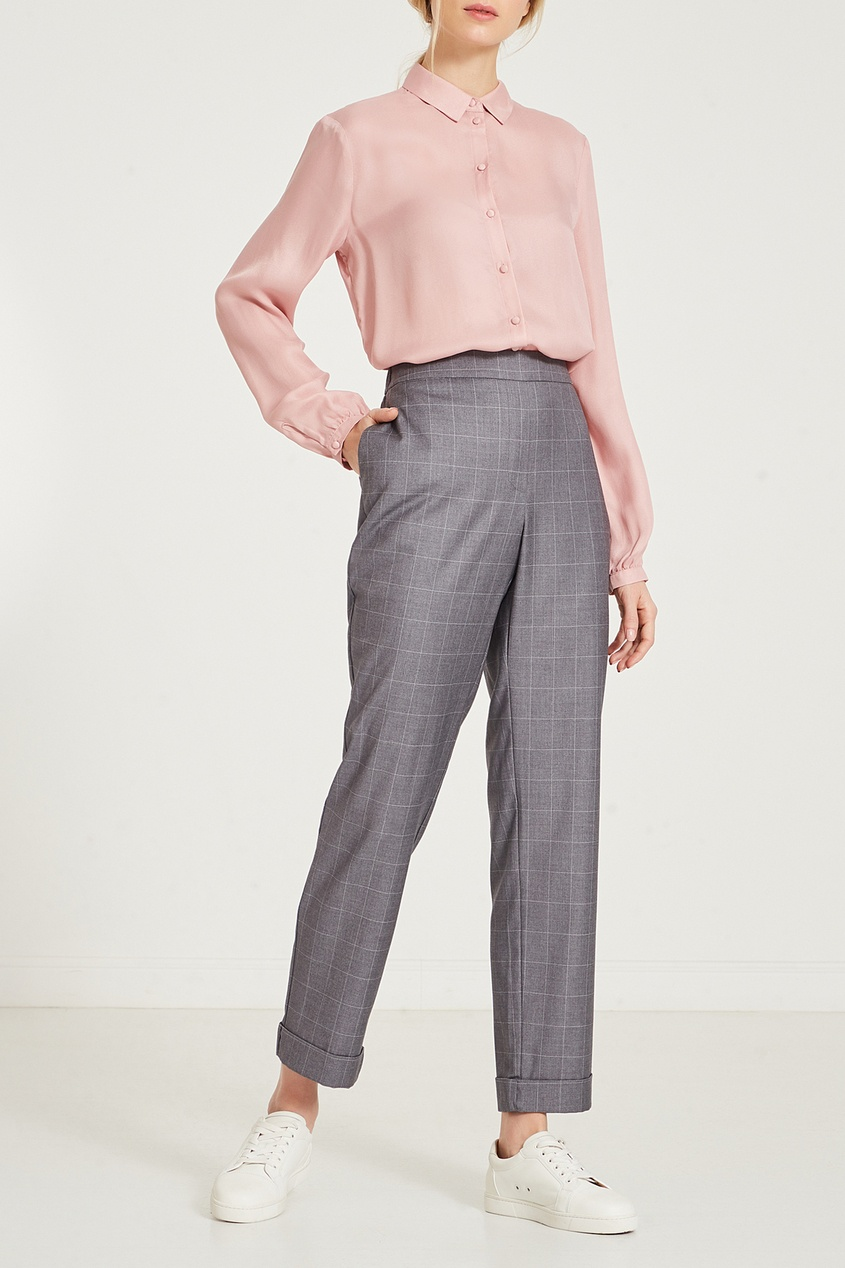 Фото 3 - Серые брюки в клетку серого цвета