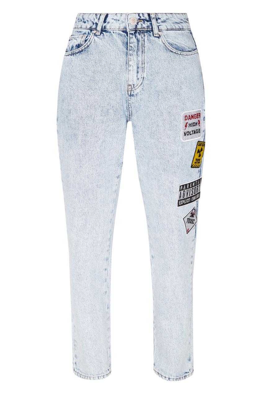 Купить «Вареные» джинсы с аппликациями от Victoria Bonya Jeans голубого цвета