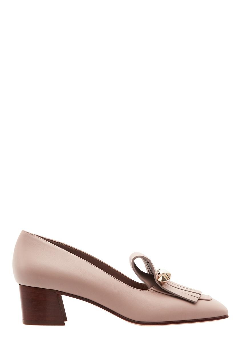 Купить Пудровые туфли с бахромой от Valentino бежевого цвета