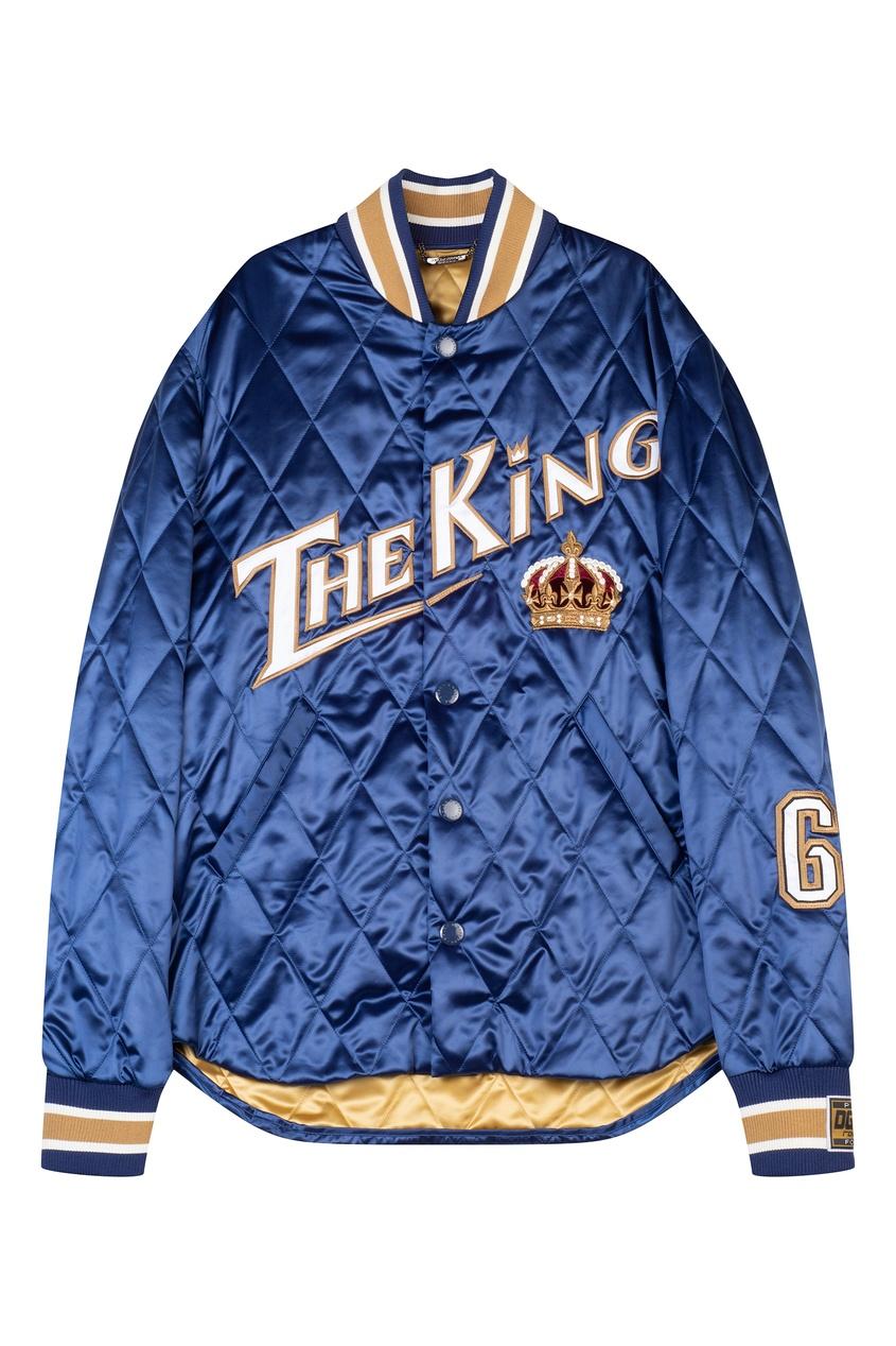 Синяя стеганая куртка с декором