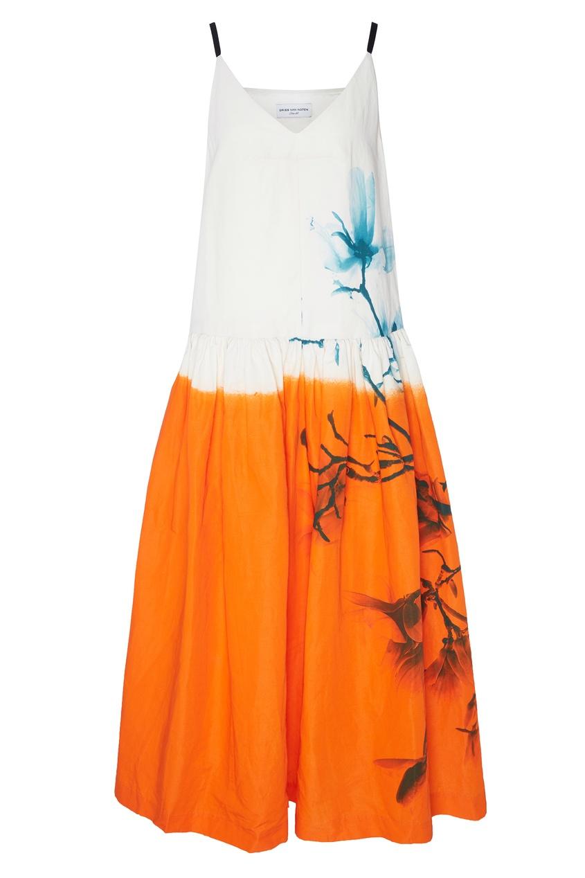 Бело-оранжевый сарафан с принтом от Dries Van Noten