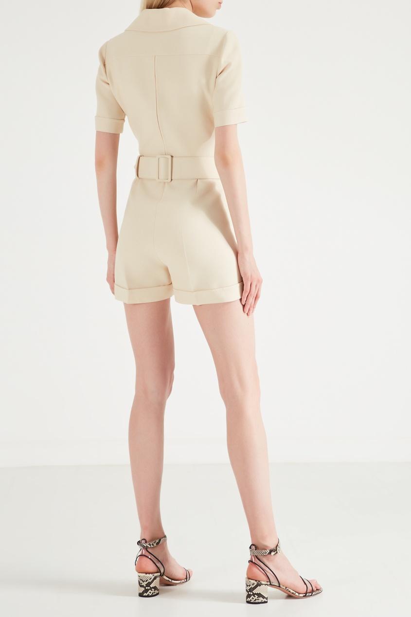 Фото 3 - Короткий комбинезон из шерсти и шелка от Gucci бежевого цвета