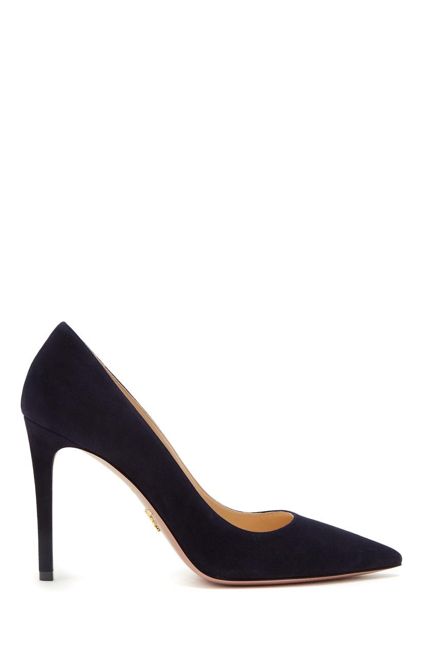 Замшевые темно-синие туфли от Prada