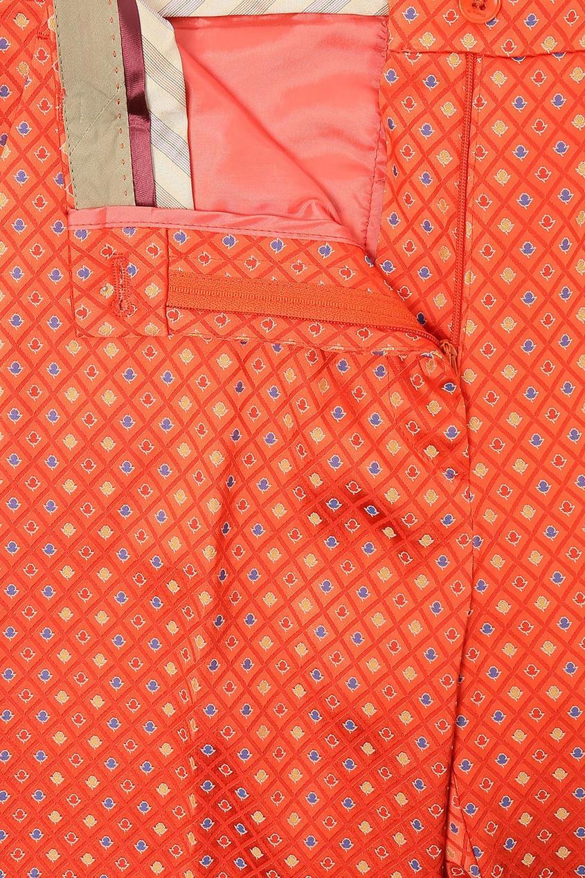 Фото 2 - Оранжевые брюки с узором от Etro красного цвета