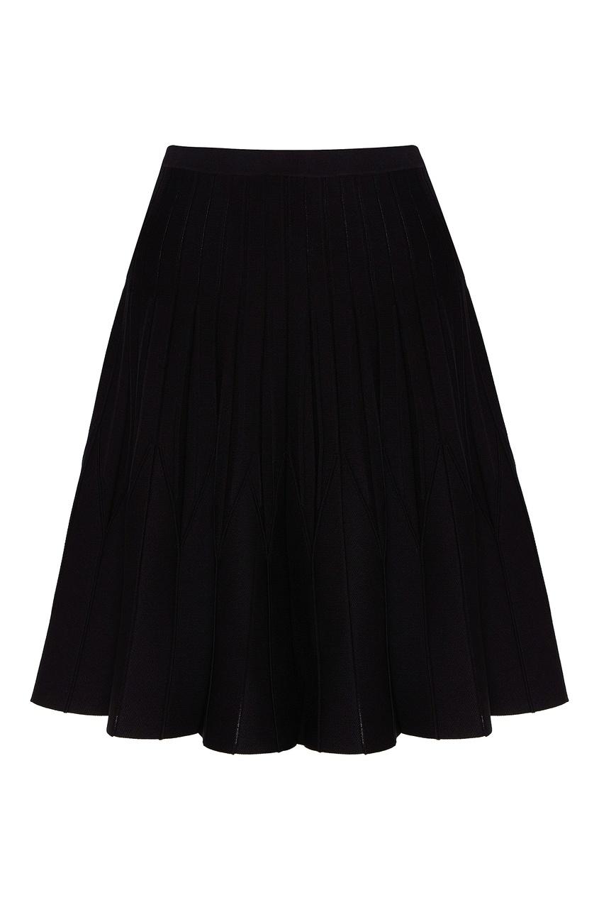 Купить со скидкой Черная юбка с фактурной отделкой