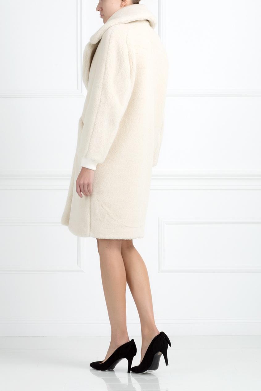 Пальто из меха альпака от AIZEL