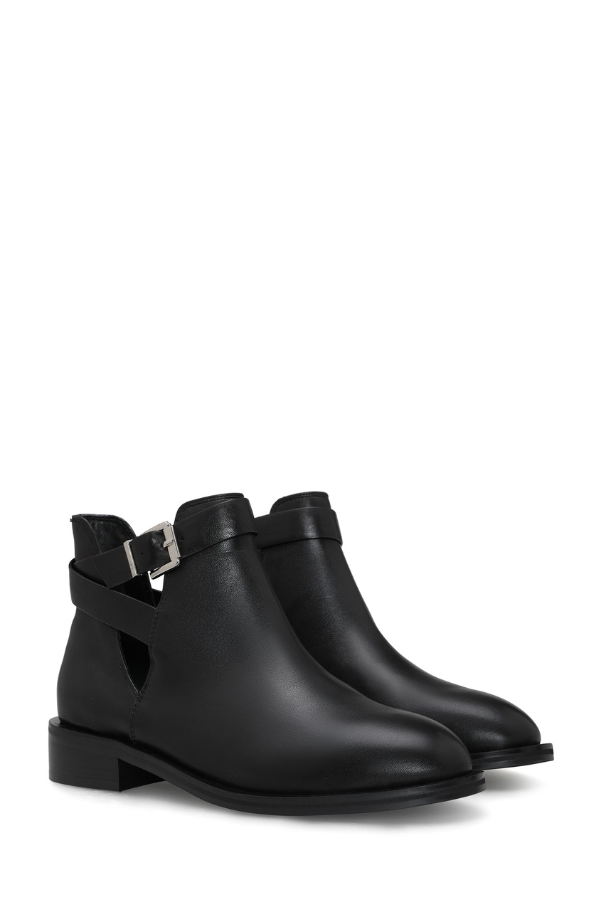 Фото 3 - Черные ботинки с ремешками на голенище от Portal черного цвета