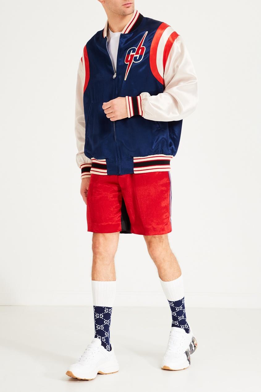 Фото 2 - Красные шорты с лампасами от Gucci Man красного цвета
