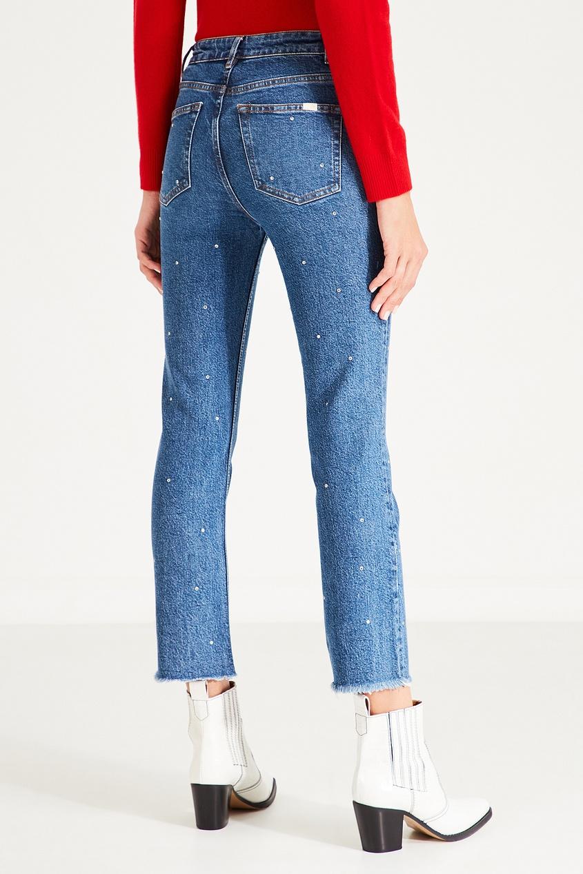 Фото 4 - Синие джинсы с контрастной отделкой от Maje синего цвета