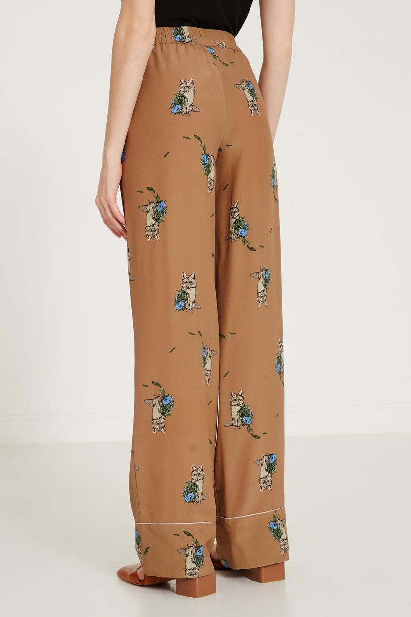 Фото 3 - Бежевые брюки с принтом от Alena Akhmadullina коричневого цвета