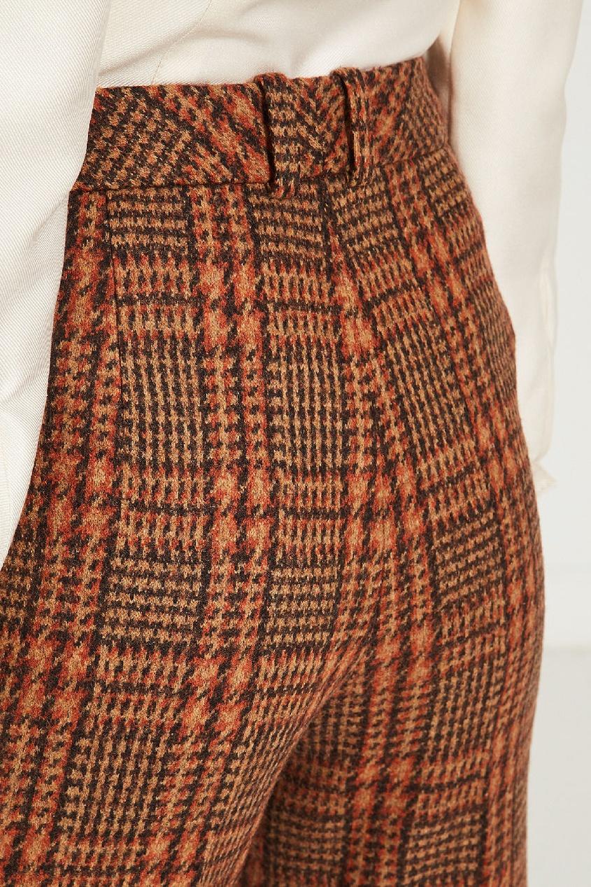 Фото 4 - Укороченные брюки в клетку от Alena Akhmadullina коричневого цвета