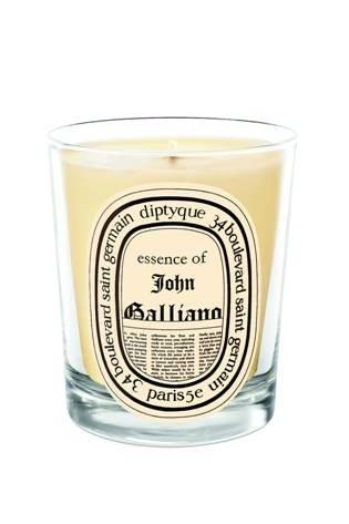 Свеча из парфюмированного воска Essence of John Galliano
